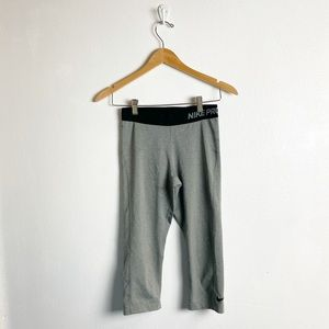 Nike pro gray cropped leggings